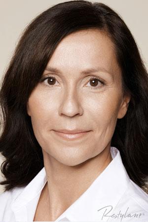 """מילוי קמטים ע""""י חומצה היאלורונית אחרי טיפול של ד""""ר דפנה וינשטיין. מומחית בכירורגיה כללית."""